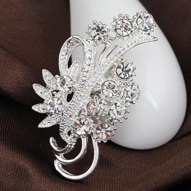 Accesorios de moda para mujer elegante delicado Diamante de imitación plateado broches de flores Collar alfileres decoración de suéter YBRH-0217