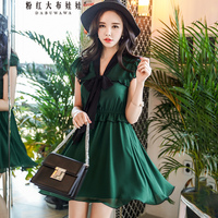 Dabuwawa 2018 Summer Sleeveless V neck Vintage Bow Dress Women Green fashion Elegant Slim Holiday Beach Party Midi Dress New