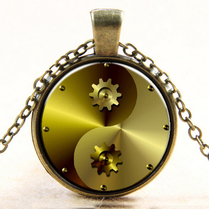 Wholesale Vintage Gold or Silver steampunk Charms Gear Penda