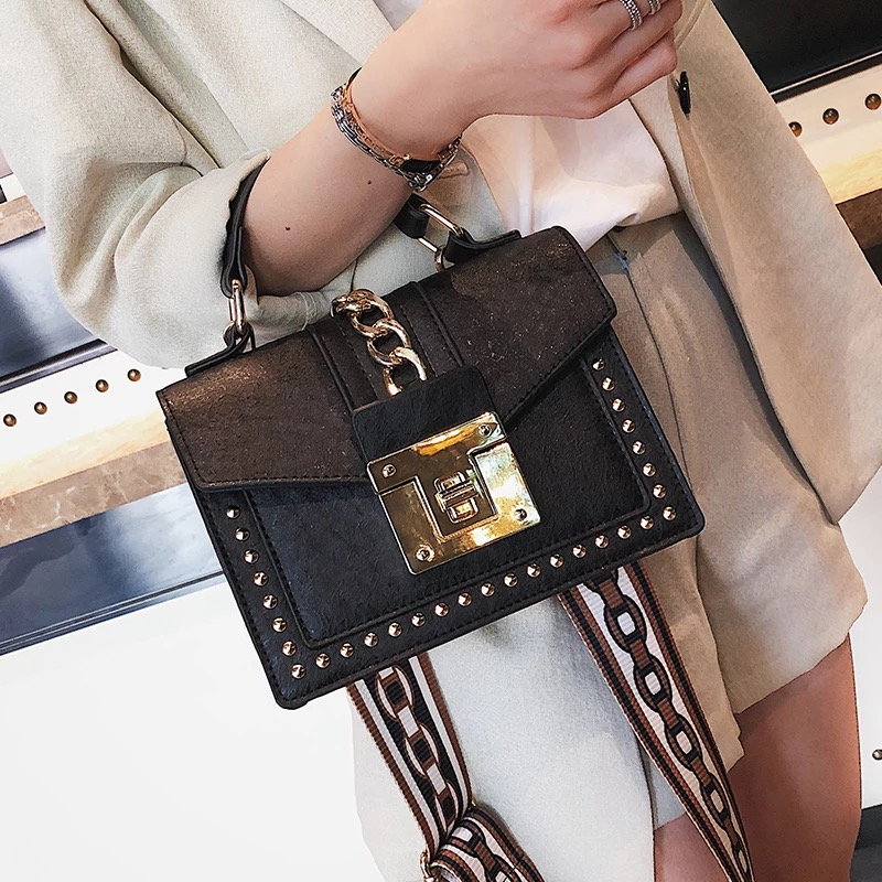 2019 Women's Fashion Leather Female Rivets Star Mini Bag High Quality Wide Shoulder Strap Bag Messenger Small Square Package