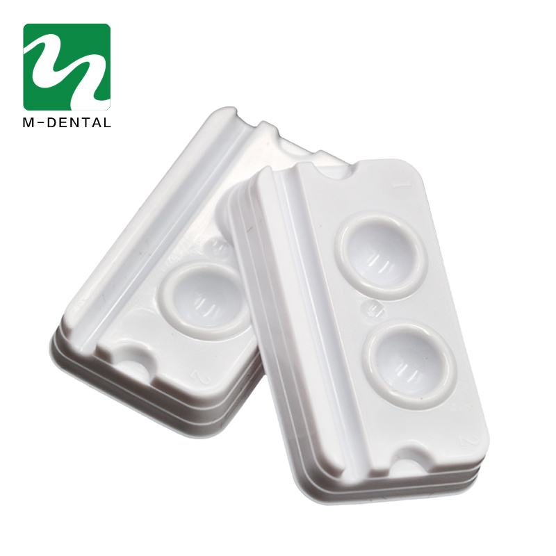 100pcs/Bag Dental 2 Slots Mixing Wells Disposable Bonding Resin AdhesiveDental Material Plastic Palette
