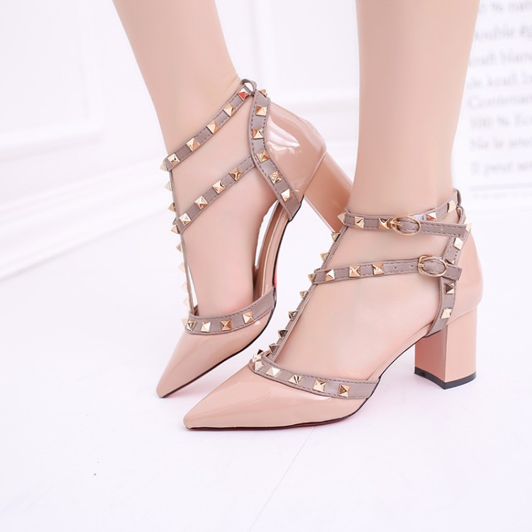 ZHENZHOU 2019 Summer New Pointed Patent Leather Rivet Buckle Sandals Thick With Heel Wild Thin Women's Shoes