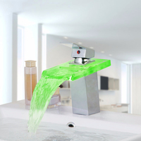 זכוכית ברז האמבטיה Chrome סיום מפל LED ברז מיקסר אגן רחצה כיור ברז ידית אחת