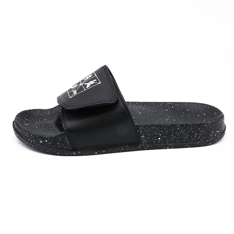 Мужские шлепанцы; Летняя обувь на плоской подошве; коллекция года; Летняя мужская обувь; дышащие пляжные шлепанцы на танкетке; цвет черный, белый; Вьетнамки; мужские брендовые шлепанцы без задника - Цвет: Черный