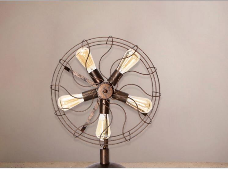 New Designed Metal Material Vintage Fan Shape Table Lamp