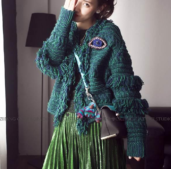 Кисточкой зеленый свитер для женщин взлетно-посадочной полосы мода негабаритных вязаный толстый теплый кисточки свитер высокого качества