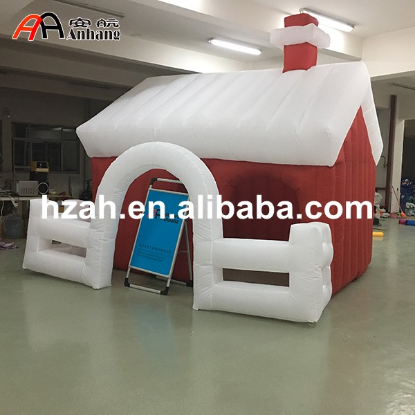 Outdoor Decorations Inflatable Santa House with Fence inflatable cartoon customized advertising giant christmas inflatable santa claus for christmas outdoor decoration