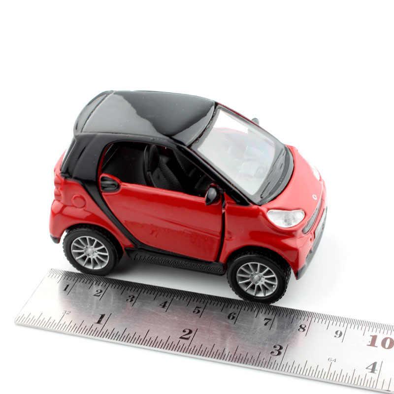 1:32 skala diecast anak pintar fortwo auto motor tarik kembali miniatur logam model mobil balap tahan lama bermain hadiah untuk boy mainan 2017