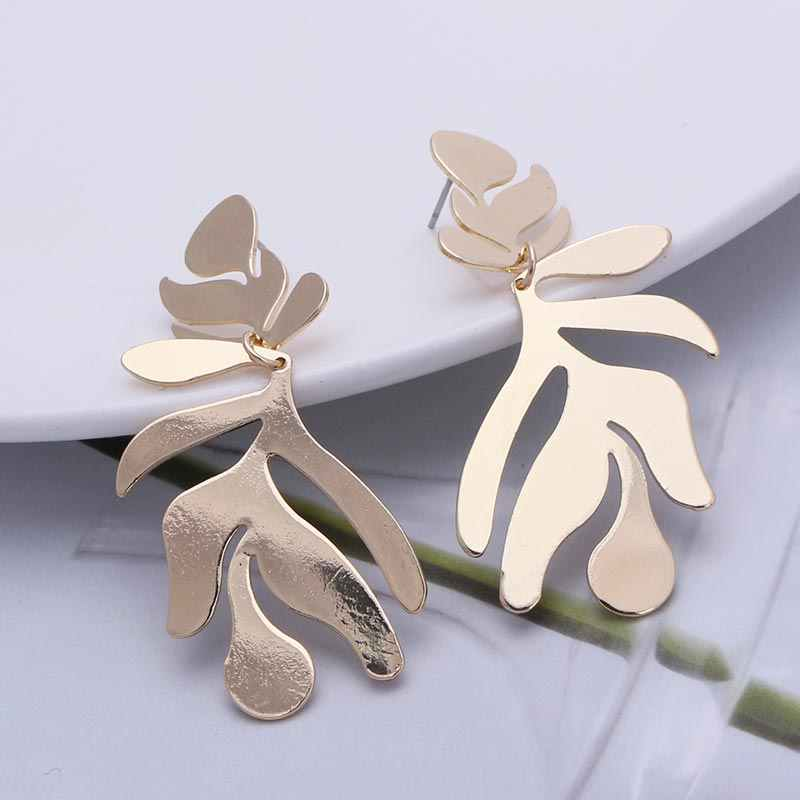 Fashion Leaves Dangle Earrings for Women 2019 Big Statement Earrings Long Punk Jewelry Leaf Earrings Gold Color Metal  EB251