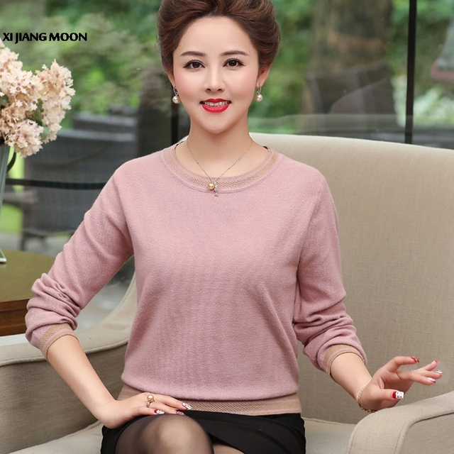 0ef5d545ff1 Autumn New Plus Size Middle-Aged Women Fashion Pullover Sweater O-Neck  Lantern Sleeve Shrug Mother Loose Knitting Top R711