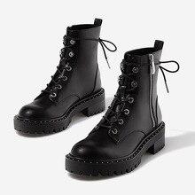 Boussac Lace up Perçinler Martin Çizmeler Kadın Yuvarlak Ayak yarım çizmeler Kadınlar için Kısa Peluş Kış Ayakkabı Botas Mujer SWE0212