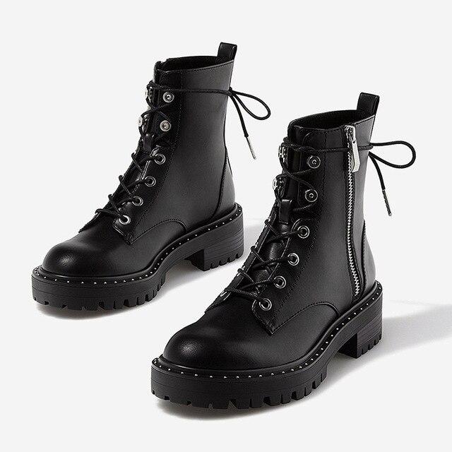Boussac 레이스 업 리벳 마틴 부츠 여성 라운드 발가락 앵클 부츠 여성용 짧은 봉제 겨울 신발 여성용 botas mujer swe0212