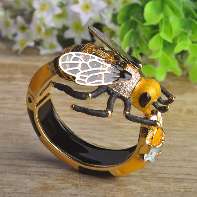 Blucome Exaggerated Big Bumblebee Bangles for Women Transparent Bee Feathers Gold Plated Enamel Craft Pulsera Bold Jewelry
