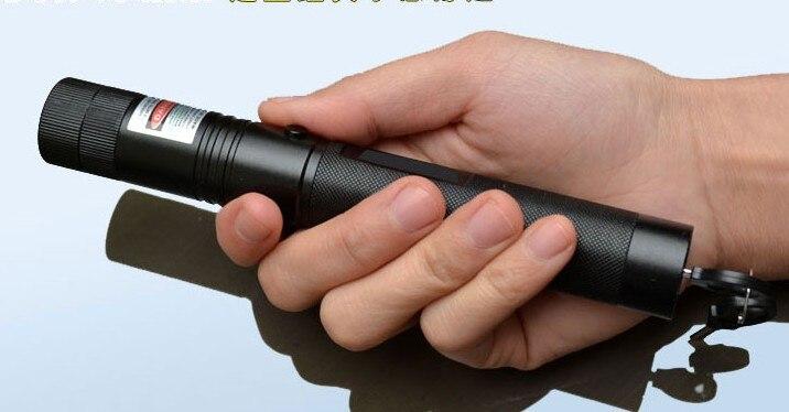 Super Puissant Lazer Faisceau militaire 200 w/200000 mw 532nm laser vert pointeur lampe de Poche allumette, brûler cigarettes SD laser 303