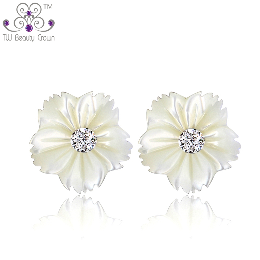 Mutiara alami Shell Daisy Bunga Stud Earrings Untuk Wanita Gadis Muda Wanita 925 sterling silver 2017 New Fashion Korea Jewelry
