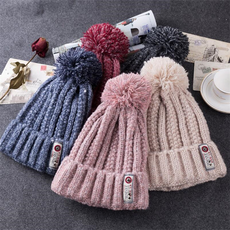 (BUILT CLEAR) Skullies2017 new lady winter hat casual simple cloth hair ball blended wool hat autumn fashion warm knitted hat skullies