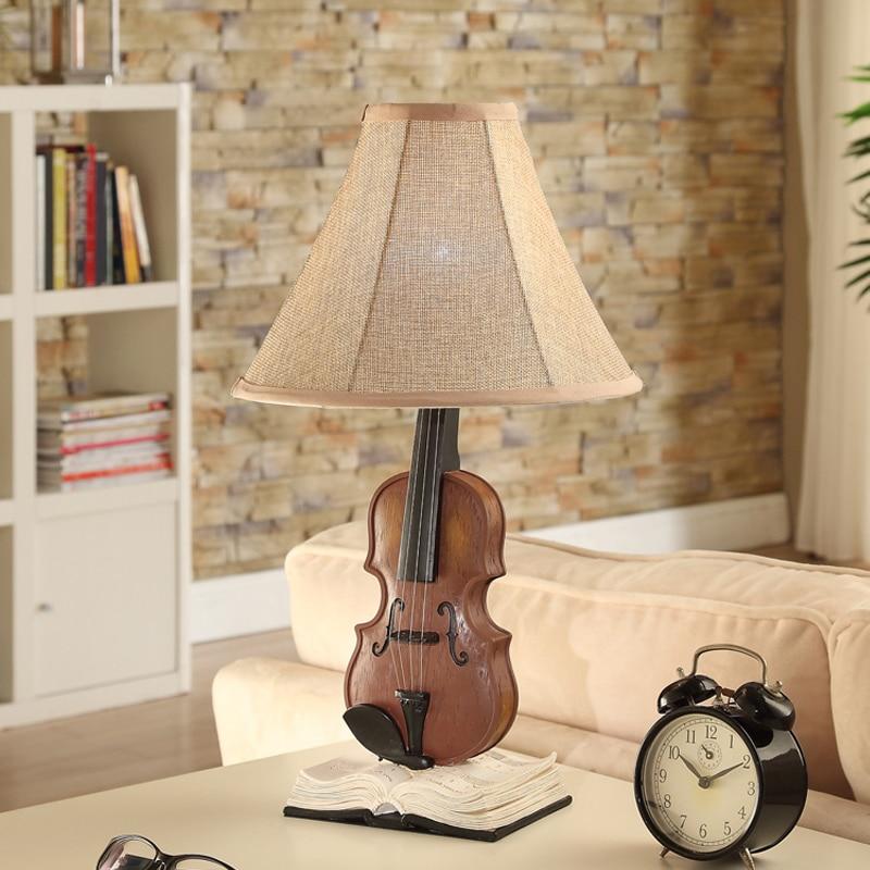 Популярные пастырской теплый мужской девушка комната спальня настольная лампа творческий декоративные лампы детей Скрипки настольная лам...