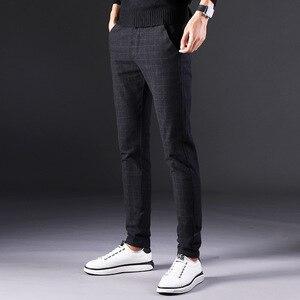 Image 3 - 2019 novas calças masculinas em linha reta soltas calças casuais tamanho grande algodão moda masculina terno de negócios calças xadrez marrom cinza algodão