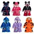 2016 Novas Crianças Pijamas Robe Crianças Roupa Com Capuz Roupões de Banho Do Bebê Das Meninas Dos Meninos Mickey Minnie Dos Desenhos Animados Homewear Roupa Do Bebê