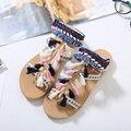 O envio gratuito de estilo Bohemia flip-flop sandálias de praia das mulheres de verão aberto toe cores misturadas franja sandálias