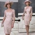 Rosa Custom Made Plus Size Mãe dos Vestidos de Noiva de Renda com Ternos Jacket Pant Curto Na Altura Do Joelho Do Noivo Vestido De Madrinha 2017