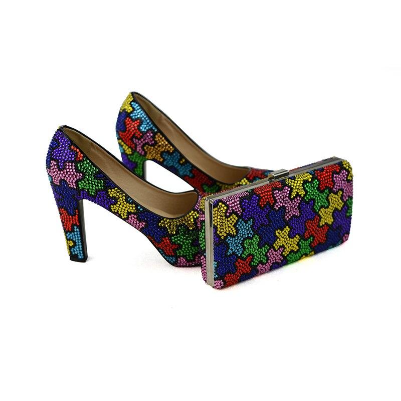 اليدوية متعدد الألوان مكتنزة كعب حذاء الزفاف مع النساء حفلة موسيقية اللباس أحذية مع مطابقة حقيبة الفاصل الحرفي-في أحذية نسائية من أحذية على  مجموعة 2