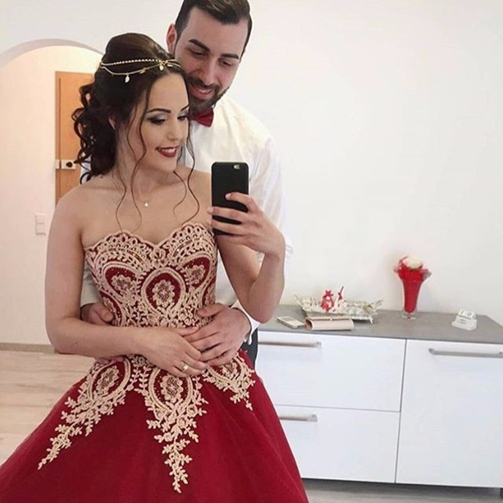 Vintage Burgundy Gold Appliques Colorful Ball Gown Wedding Dresses