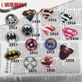 Japanese Harajuku Wei Hombre Superman Spiderman Batman Insignia de Acrílico Broche Insignia de Dibujos Animados Broche de Accesorios de La Joyería Al Por Mayor