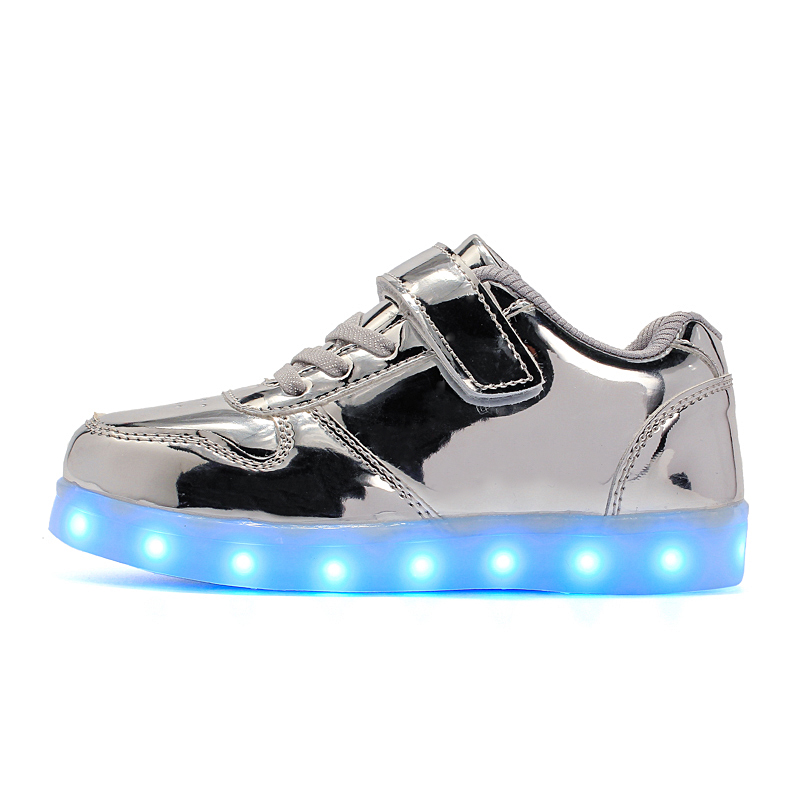 2017 New sneakers Children LED Shoes for Kids Boys Glowing Sneakers with Luminous Sole Teen Baskets Light Up Sneakers 2017 new children led sport shoes breathable sneakers orthopedic unisex anti skid light shoes kids casual shoes for girls boys