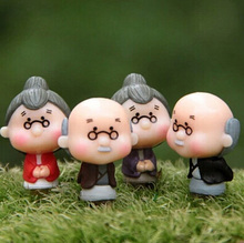 Old Granny Grandparents Figures decorative mini fairy garden acartoon nimals statue miniature Moss ornaments resin craft