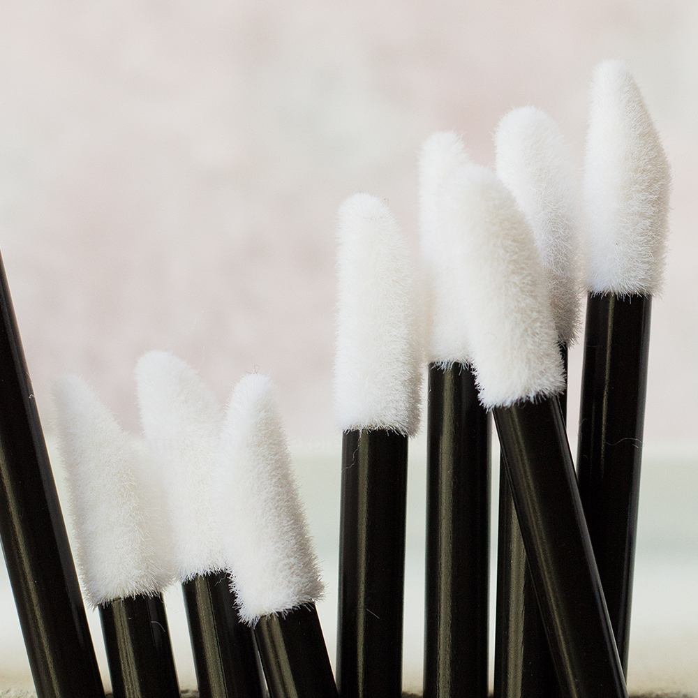 Five Color Good Sale 50pcs Disposable MakeUp Lip Brush Lipstick Gloss Wands Applicator Make Up Tool