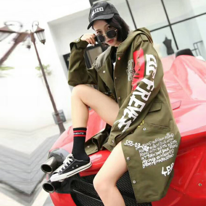 Graffiti Print   Trench   Coat Hooded 2018 New military Outwear Women Cartoon Print Oversize Winderbreaker Handsome Coat LT029S50