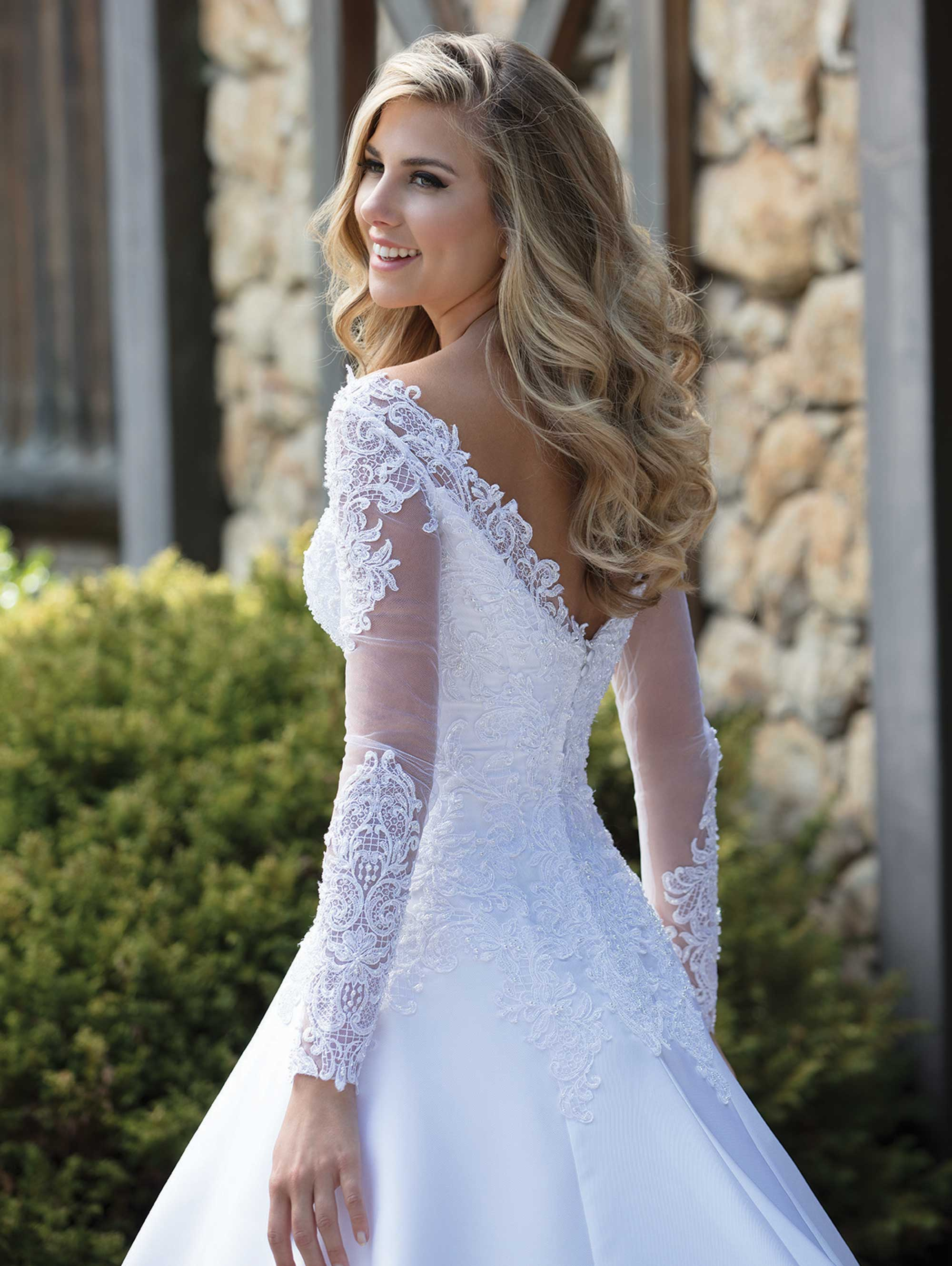 Custom Made A-line V-neck Long Sleeve Satin Tulle Lace Beading Crystal Elegant Formal Wedding Dresses Bridal Gowns  SC07