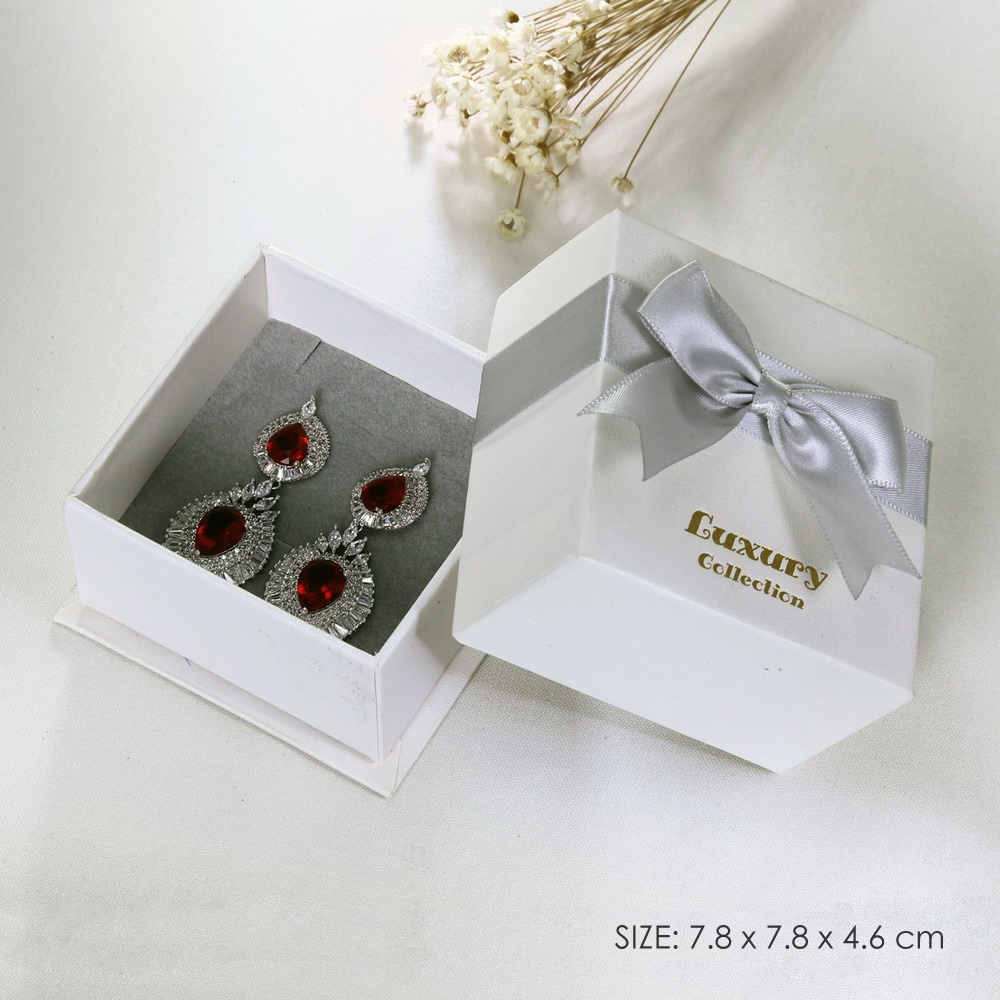 Jewelry Packing Nice Gift Box for Earrings 7.8 x 7.8 x 4.6 cm - Hot-stamp Gold-color Logo printed Luxury Collection Gift Boxes