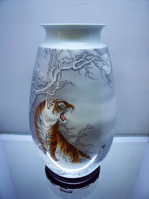 Chinese Jingdezhen Ceramic Vase Painted Ceramic Vase Decoration