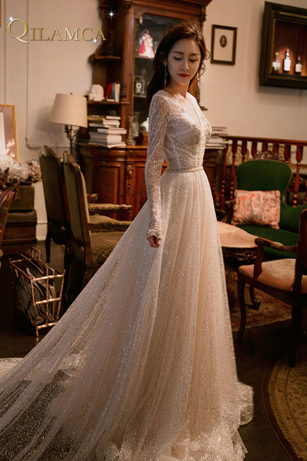 Amazing V neck Wedding Dress 2018 Long Sleeve Beading Crystal Sparkling Bridal Gown A Line Custom Size Gown