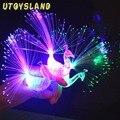 UTOYSLAND 1 unids Pavo Real Light-up Party Los Anillos de Dedo de Colores de Luz LED Gadgets Niños Juguete Inteligente para el Regalo Del Partido-Color Al Azar