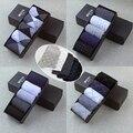 10 unids/lote Primavera Verano Hombres de la Marca Calcetines Hombres de Negocios de Moda de Alta Calidad Clásicos Masculinos Calcetines Calcetines de Algodón Multicolor