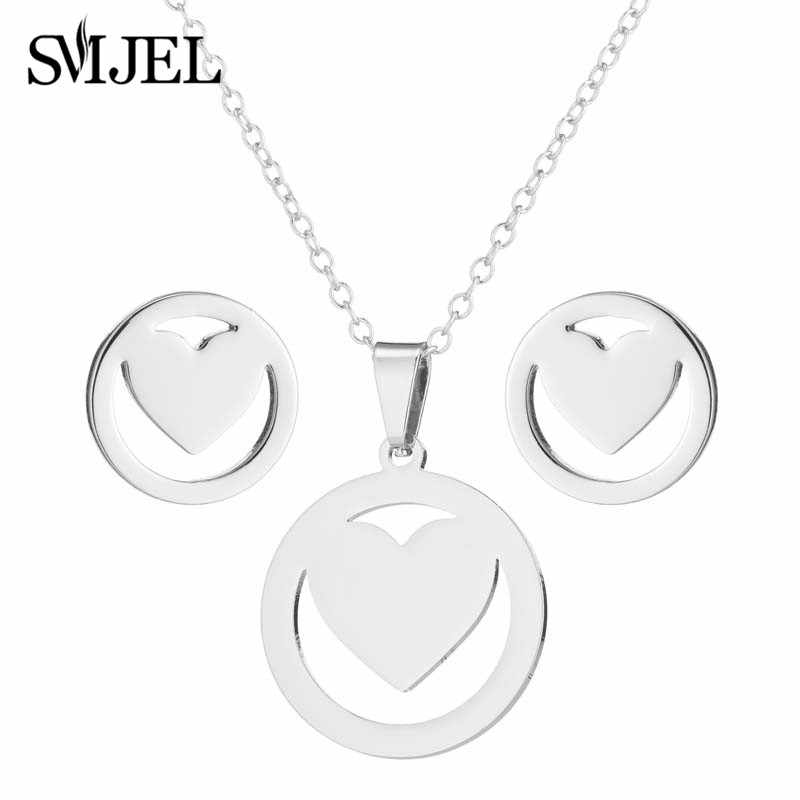 SMJEL Tiny Heart Necklace for Women Gold Chain Heart Round Pendant Necklace Gift Cute Anime Jewelry Bohemian Choker Femme