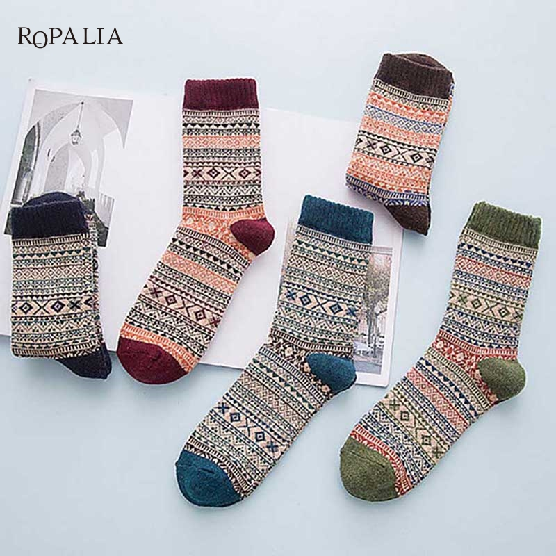 Hot sale! Unisex Socks Color autumn-winter Crazy Soks Warm Comfortable Striped Animal Socks