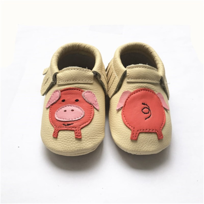 Kinghoo shoes rubber sole pig design genuine leather  baby moccasin