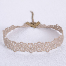 Vintage Lace Flower Patterned Choker