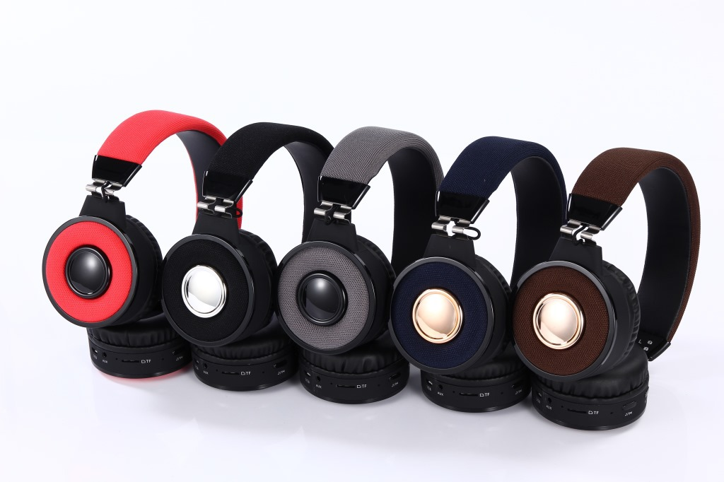 New Wireless Headphones Bluetooth Headsets Earphone With Microphone Support TF Card FM Radio For PC mobile phone