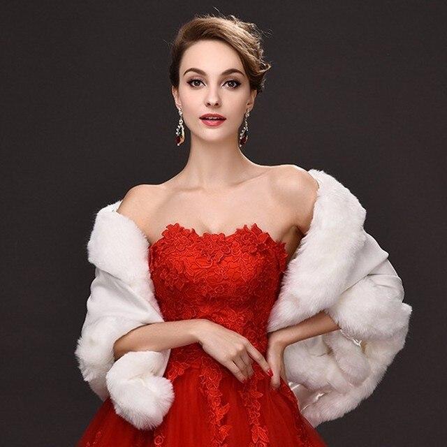 Vestido rojo boda con chaqueta