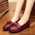 The new fashion leather mother shoes in the elderly soft bottom non-slip flat shoes large size comfortable women's singles shoes