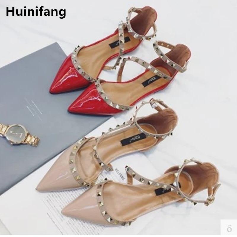 Dame Spitz Mode Große Größe 3 46 Schnalle Abdeckung Ferse Patent Leder Wohnungen Frauen Sandalen Mit Nieten Plus Größe Schuhe Klar Und Unverwechselbar