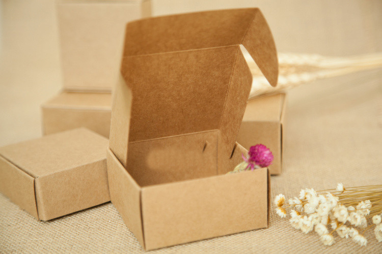 20pcs 4*4*2cm brown kraft paper box for candy/food/wedding/jewelry gift box packaging display boxes diy necklace/rings storage