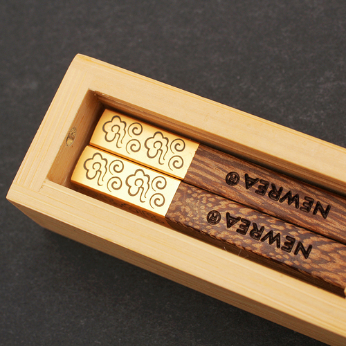 Portable metal chopsticks real wood chinese chopsticks top quality chinese style gold dinner chopsticks one pair