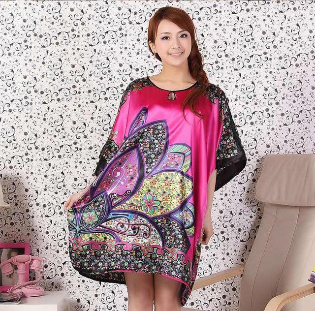 Nova Flor do Verão das Mulheres Roupões Camisola de Cetim Impresso Solto Sleepwear Kaftan Vestido Moda Sexy Bridesmaids Robes M09