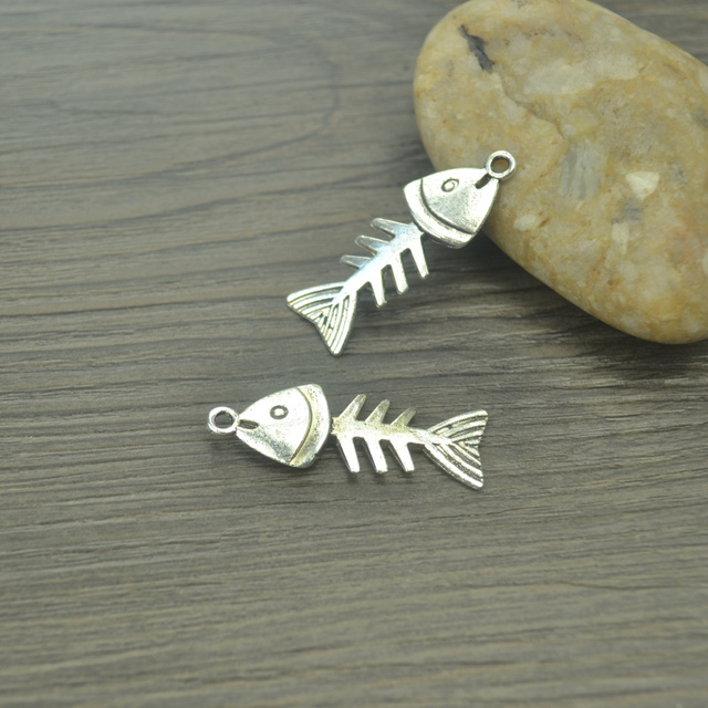 10 pcs/lot fish Antique Silver Plated Bracelets Charm Pendants Fashion Jewelry M